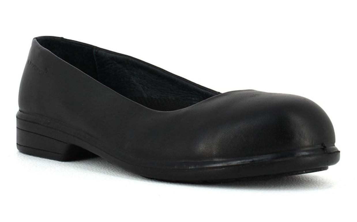 b9ec678896721f La ballerine en cuir Lavoro Eva est une des chaussures de sécurité pour  femme également très appréciée par La Poste. Elle apporte confort,  discretion et ...